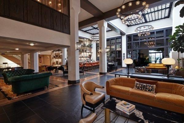 HotelFigueroaLobby